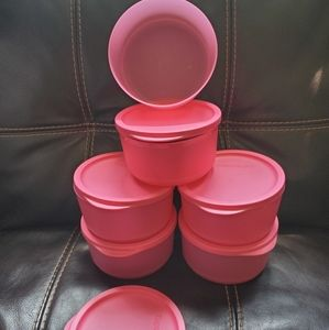 Tupperware Kitchen - Tupperware containers